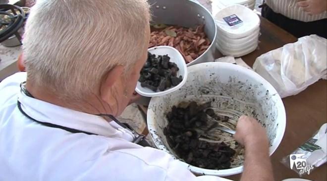 31/10 Gran èxit de la fira gastronòmica del calamar a Sant Carles