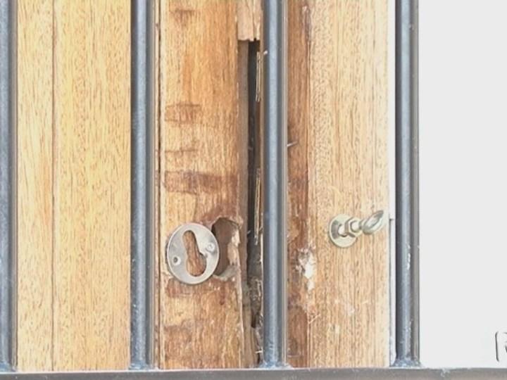 11/04 Els 'okupes' es fan amb els pisos de l'Ajuntament a Dalt Vila
