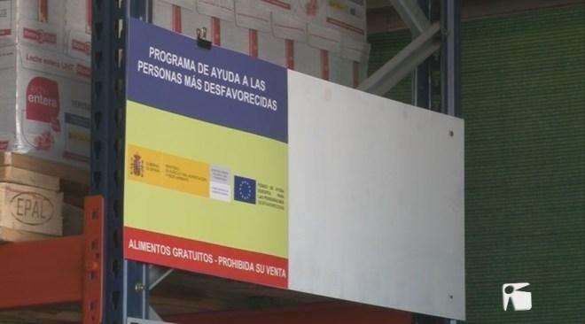 18/04 La Consellera balear de Serveis Socials visita el Banc d'Aliments d'Eivissa i Formentera