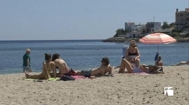 26/04 Els concessoinaris de platges es preparen per la temporada