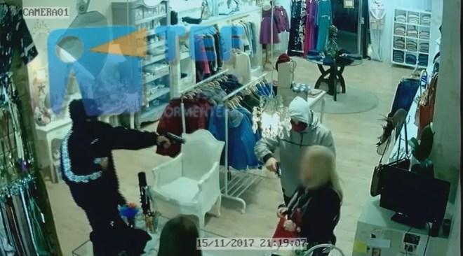 14/12 [Vídeo Primícia] Detinguts per entrar a punta de pistola a una botiga de Vila