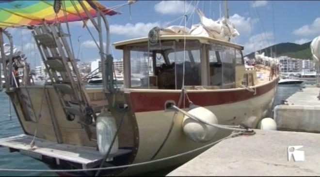 30/05 La Guàrdia Civil investiga les causes de la mort del tripulant d'un veler