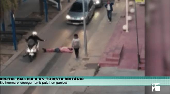 09/05 Pallisa entre 6 persones a un turista britànic a Cala de Bou