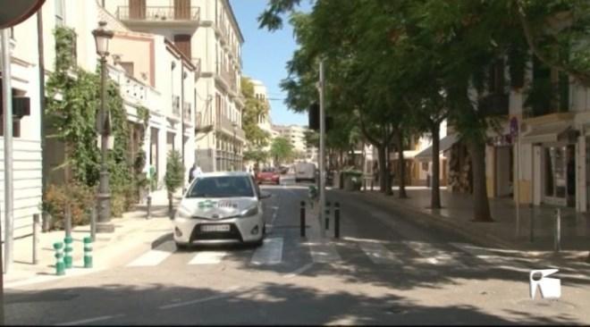 20/06 L'Ajuntament de Vila ajorna el control d'accés de cotxes a La Marina i Dalt Vila per falta de senyalització