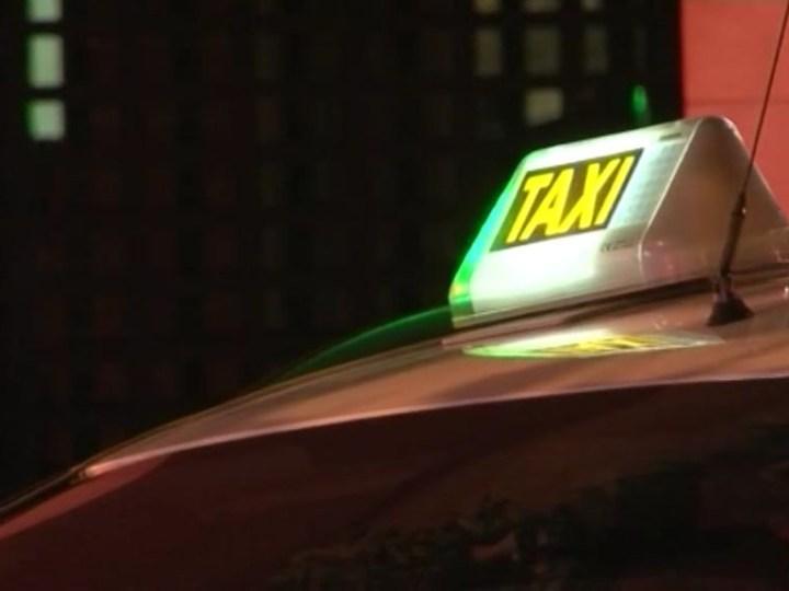 05/06 Els taxis ja poden accedir al port de Vila.