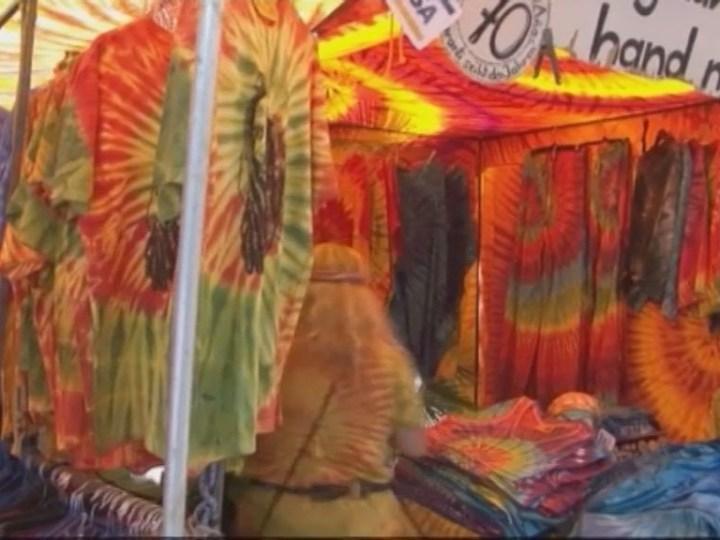 11/07 El 'Hippy Market' des Canar compleix 45 anys