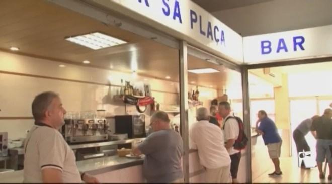 21/08 El bar 'Sa Plaça' tanca les seves portes aquest dissabte