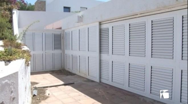 18/09 El Consell d'Eivissa paralitza la demolició de la casa Van Der Driesche