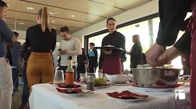 21/02 L'IES Balàfia organitza una trobada entre els alumnes de cuina i restauració i el sector de l'hostaleria de l'illa