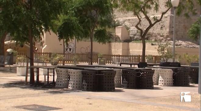 12/05/2020 La Plaça des Parc vol més taules