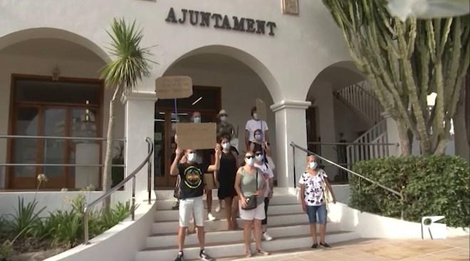 20/08/2020 Els desallotjats dels Don Pepe demanen una solució