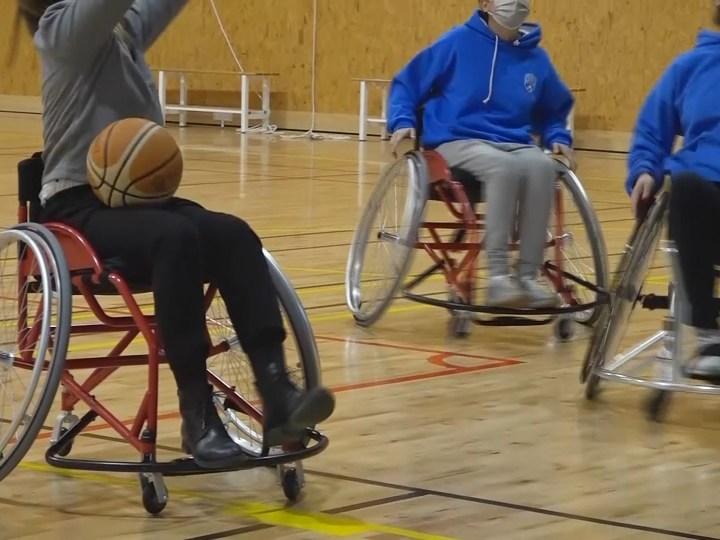 03/12/2020 Bàquet en cadira de rodes i adaptat per invidents