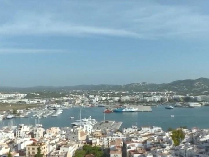 12/04/2021 Dècades d'obres sense llicència al port de Vila