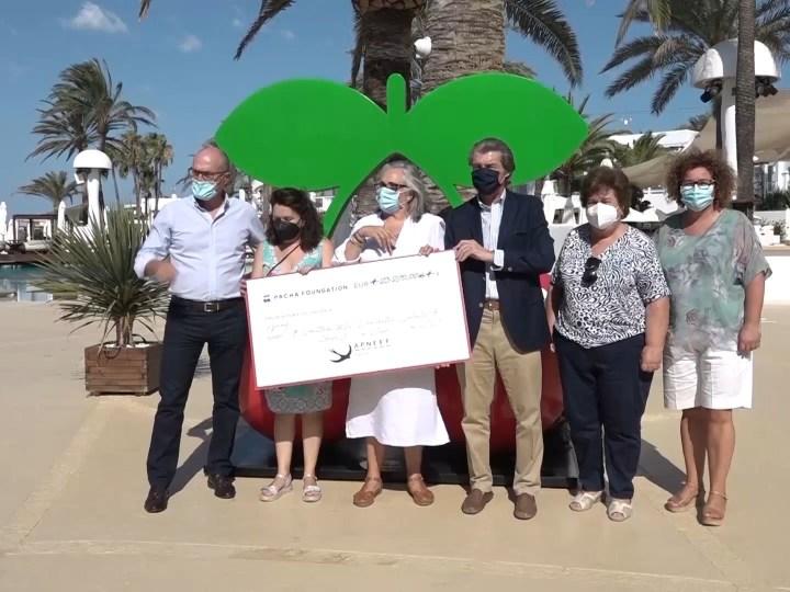 08/07/2021 El calendari de Pacha recapta 24.000 euros per a APNEEF