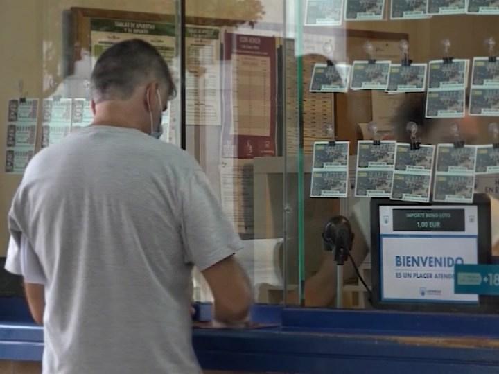 15/09/2021 Les Administracions de loteria, en peu de guerra