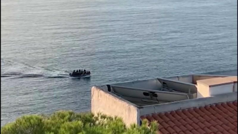 18/10/2021 Deu barques en tres dies amb 93 immigrants a bord