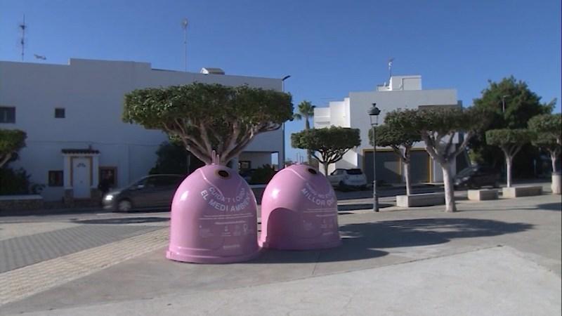 20/10/2021 Contenidors de vidre rosa contra el càncer de mama