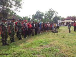 Apel pasukan sebelum pelaksanaan bhkati karya gotong royong di kecamatan Tongas. FOTO : AHMAD SUGENG LAKSONO