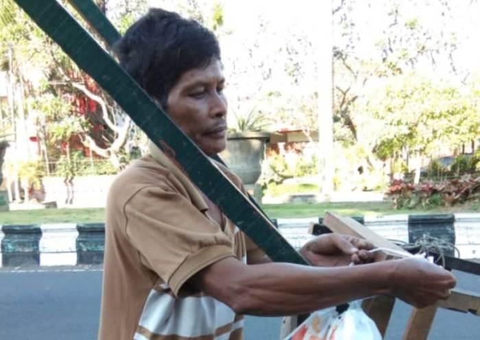 Komunitas Mata Kita Bali Adakan Takjil On The Road
