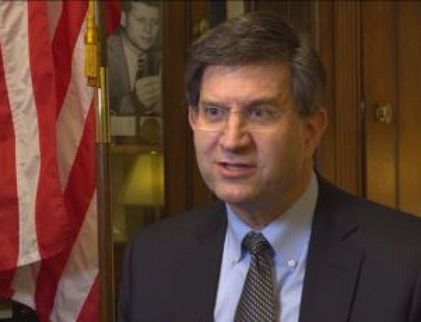 Anggota DPR AS Brad Schneider (Partai Demokrat - negara bagian Illinois) dites positif mengidap Covid-19 (foto: dok)