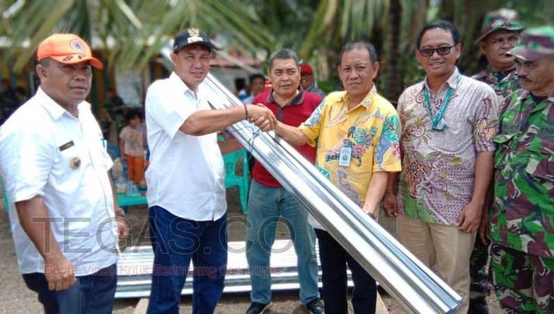 ANTAM UBPN Sultra Salurkan Bantuan kepada Korban Angin Puting Beliung