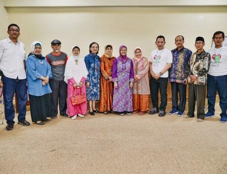 Foto bersama Komjen Listyo Sigit bersama para gurunya