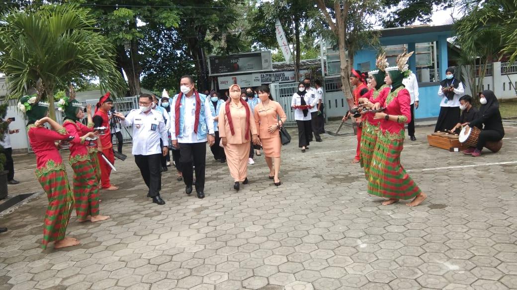 Kelapa Badan Narkotika Nasional Provinsi Sulawesi Tenggara Brigjen Pol. Sabaruddin Ginting, S.I.K melakukan kunjungan kerja di BNNK Kolaka