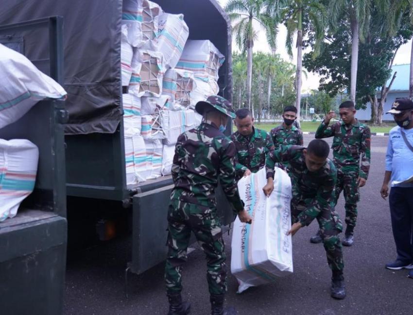Bantuan untuk korban gempa bumi di Sulawesi Barat