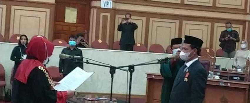 Pelantikan Jumardin sebagai wakil ketua DPRD Sultra