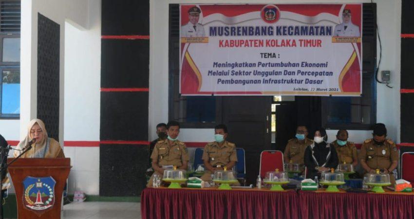 Plt Bupati Koltim saat membuka Musrembang tingkat kecamatan di Koltim
