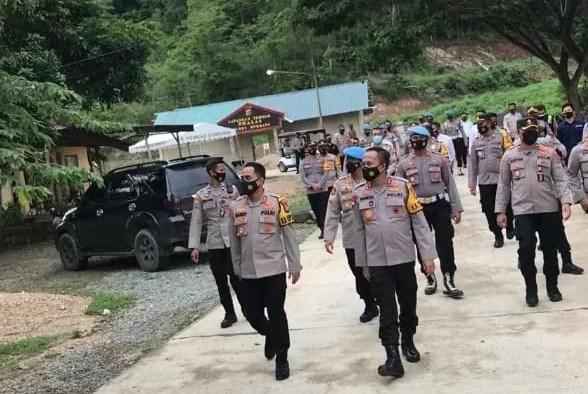 (Kapolda) Sulawesi Tenggara (Sultra) Irjen Pol Ya Sultra Indrajaya melakukan kunjungan kerja ke Bombana.