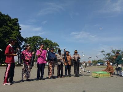Dalam rangka memperingati ulang tahun yang ke lima Paguyuban Langenastro dan berdirinya Abdi Dalem Kraton Ngayogyakarto Hadiningrat. FOTO : NADHIR