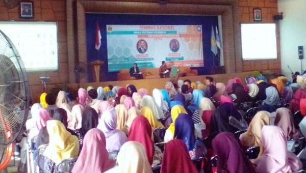 Prodi PGSD UMK Seminarkan Implementasi dan Evaluasi Kurikulum 2013