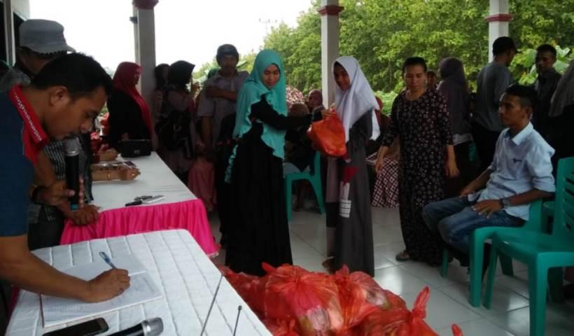 """Alumni SMUN 1 Kulisusu Angkatan 2001 """"Fastabiqulkhoirat"""" Berbagi Paket Sembako Gratis"""