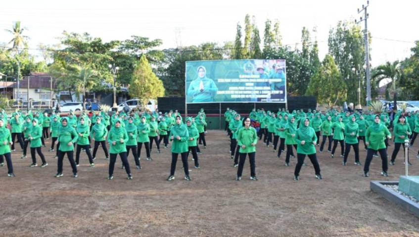Ketua Persit KCK PD XIV/Hasanuddin Tatap Muka dengan Persit Kodim Buton
