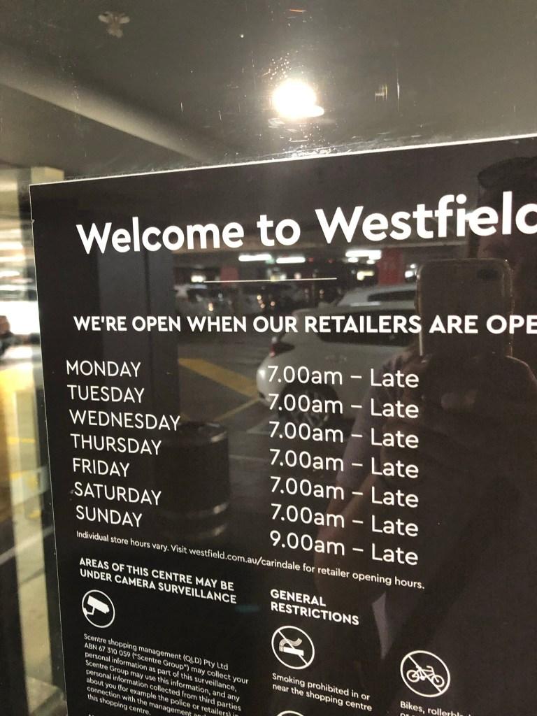 Shopping hour in Australia