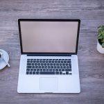 Cara mengatasi laptop layar putih, titik kecil di tengah layar, layar bergaris dengan mudah