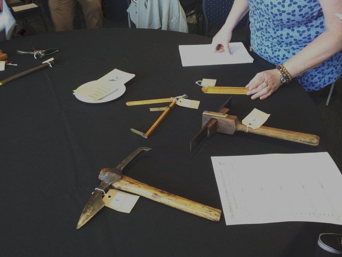 Identifying measuring and finishing tools