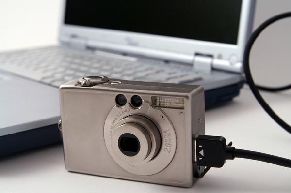 Как скинуть фото с фотоаппарата на компьютер, восстановить ...