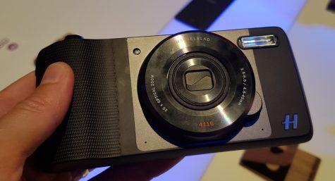 Haselblad True Zoom ne izgleda dosti drugače kot nekoč Samsungova Galaxy Camera.