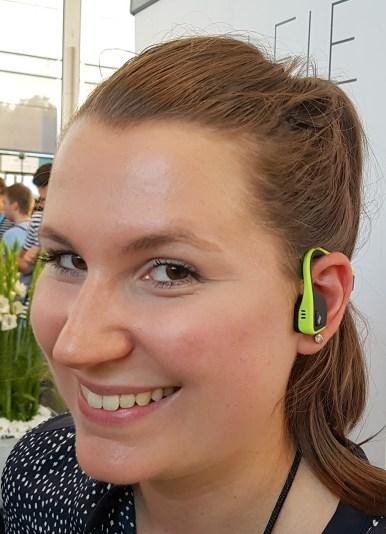 Slušalke Aftershokz zvok prenašajo čez kosti, ne neposredno v ušesa.