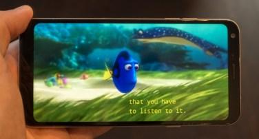 Nekatere aplikacije (Netflix, denimo) lepo izkoriščajo celoten zaslon.