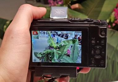 Kot večina Panasonicovih aparatov snema 4K in podpira funkciji 4K photo in post focus.
