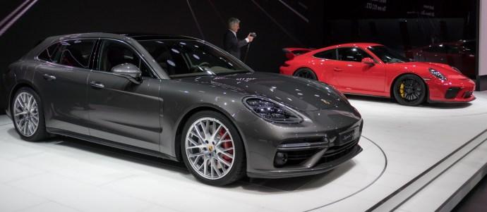 Presenetljivo se je h karavanski obliki zatekel Porsche z modelom panamera sport turismo.