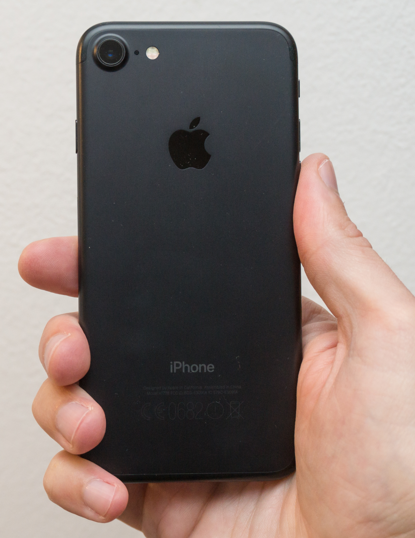 Kateri telefon naj kupim?