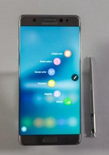 Samsungov Galaxy Note 7 in njegovo pisalo.