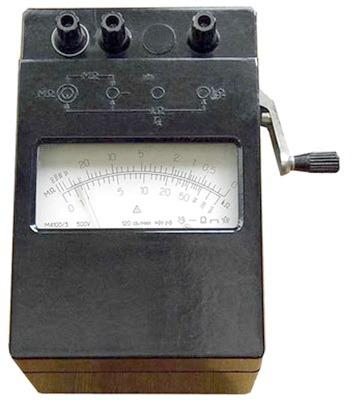 Megaommetr M4100