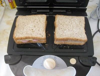 Сэндвичница (бутербродница). Виды и применение. Как выбрать