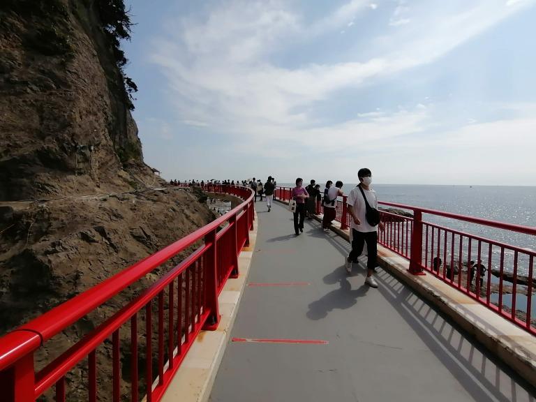 岩屋洞窟への橋