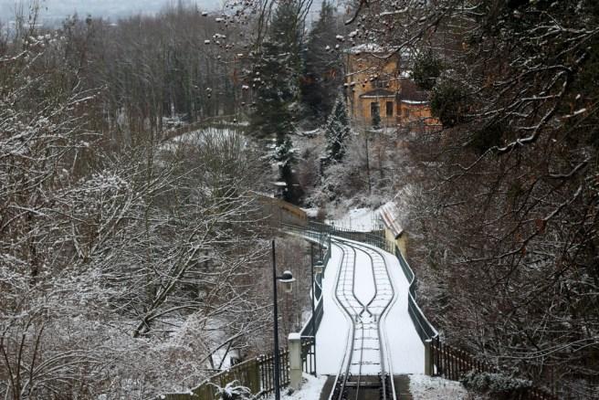 Fahren über das Viadukt